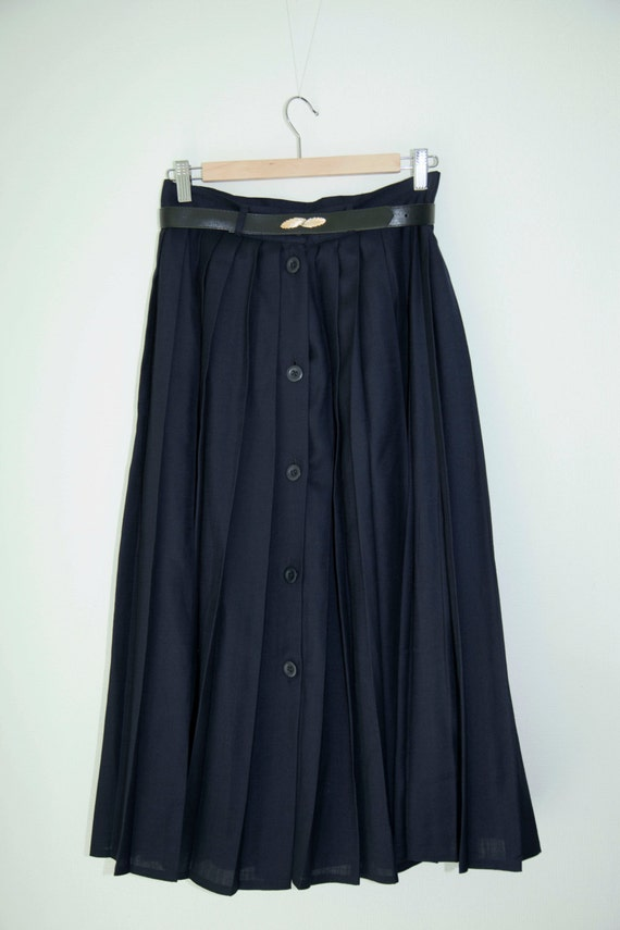 vintage navy blue pleated skirt with belt