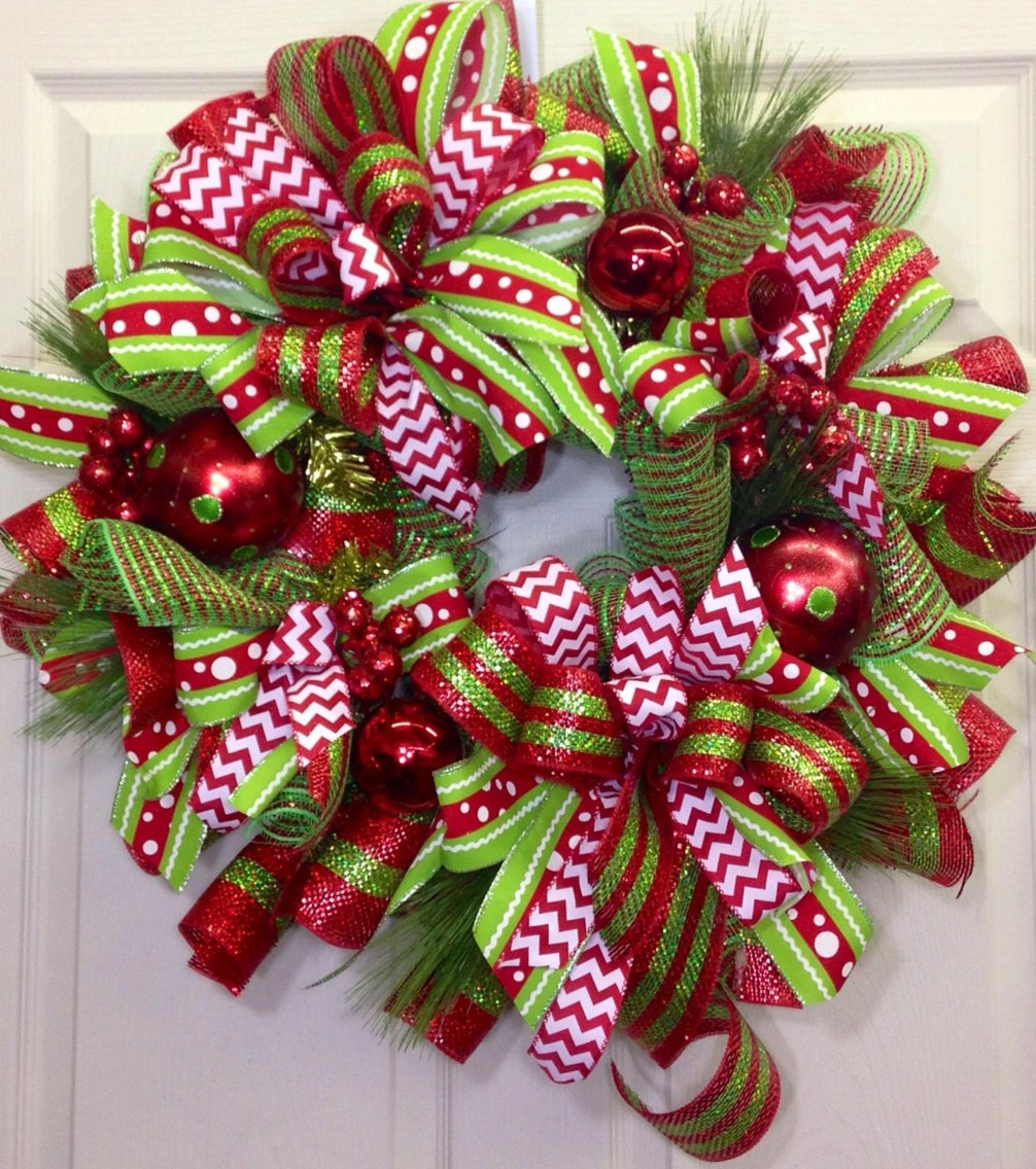 Christmas mesh wreath for How to decorate a christmas wreath