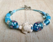 Sea Turtle Bracelet, White Turtle with Blue and White Glass Beads Bracelet, Beach Jewelry