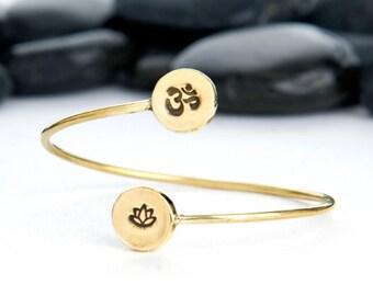 Lotus Flower and OM Adjustable Bangle, Lotus Flower Bracelet, OM Bracelet, Adjustable Bracelet, Yoga Jewelry, Yoga Bracelet, b249lB