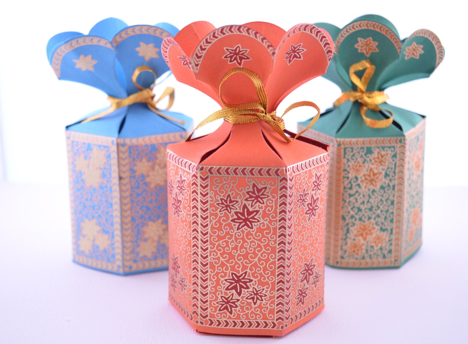 Personalised Indian Wedding Gifts : Favor Gift Box with Flower Top Wedding Favor Box Party Gift