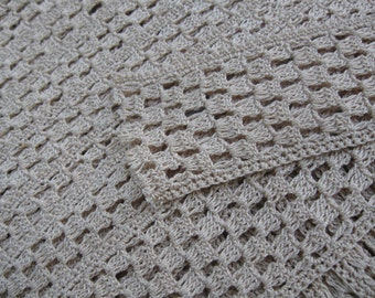 Grandma's age old crochet border. More than 10 meter long! 4.5 cm wide. HANDMADE. Excellent condition! Vintage