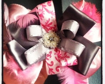 Baby pink and grey feather bow