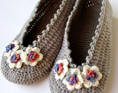 Flowers Womens Flats Crochet Slippers - Grey Wool Slippers - Handmade House Shoes