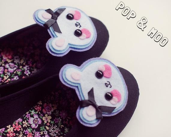 Kawaii bunny shoe clips - Kitsch footwear accessories - Cute rabbit shoeclips