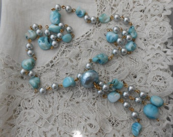 Mother of pearl necklace dyed blue