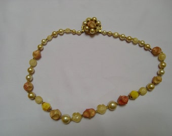 Vintage Colorful Faux Pearls Necklace