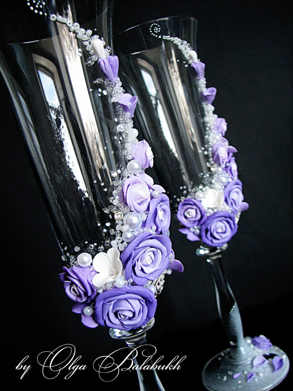 hochzeit sektgl ser mit sch nen lila rosen. Black Bedroom Furniture Sets. Home Design Ideas
