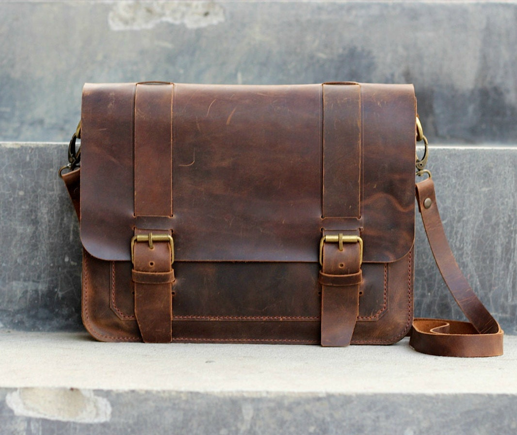 Worn Leather Shoulder Bag – Shoulder Travel Bag