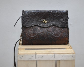 Vintage HANDMADE leather purse ....(206)