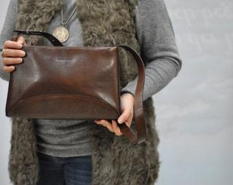 Vintage GIANNI CONTI leather handbag ....(325)