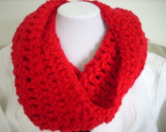 Snappy Red cowl collar