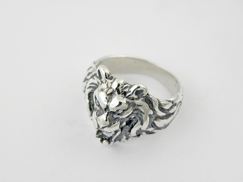 "Judaica jewelry.Sterling silver ""Lion of judah"" men ring.Made in and shipped from the Holyland,Jerusalem."