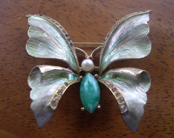 Butterfly Pin with faux Pearl