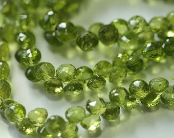 Peridot Faceted Onion Briolettes, 7 mm, 4 beads GM2501FO/7/4 #102