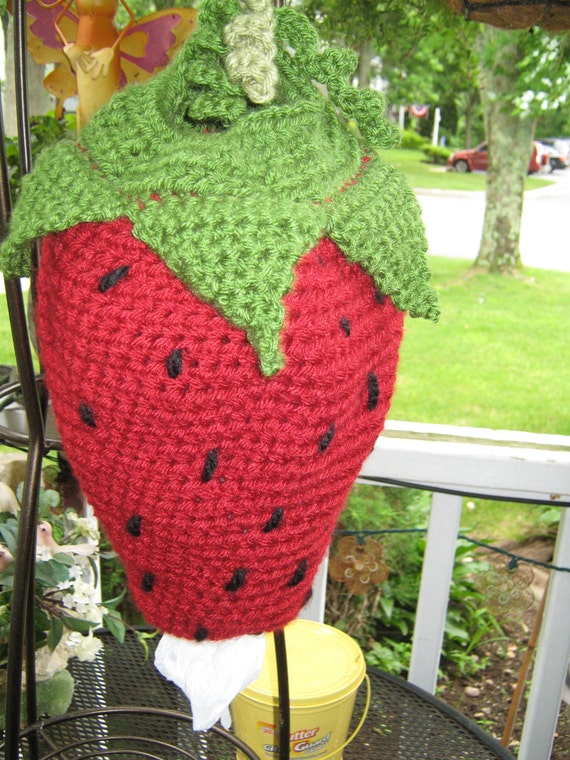 Crochet plastic bag / garbage bag holder-storage Strawberry