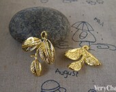 10 pcs of Gold Tone Three Leaf Branch Charms 24x27mm A5410