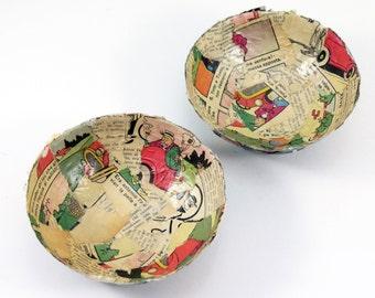 Set 2 Paper Bowls - Vintage Magazines
