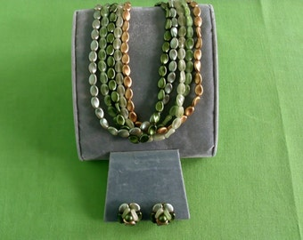 Vintage Hong Kong Green and Gold Necklace and Earring Set (Item 629)