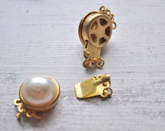 2 Pieces Matte Gold Jewelry Connector with Acrylic Pearl, Vintage Jewelry Connectors, Jewelry Findings, Necklace Clips