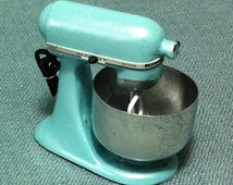 Kitchen Aid Mixer Miniature Pastel Blue Kitchenware Supplies Tiny Small Bakery Cooking Dollhouse Food Display Hand Made Resin Decoration