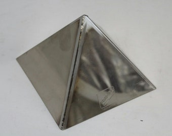 PYRAMID Mold  - Stainless Steel - Perfect for polymer clay, porcelan, desserts and sugerpaste