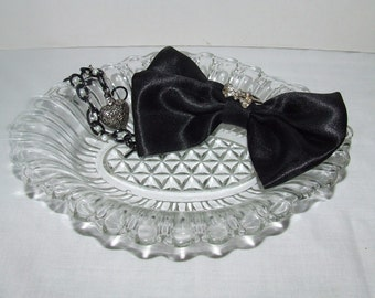Vintage Glass Scalloped Crystal Candy Dish - Nut Bowl
