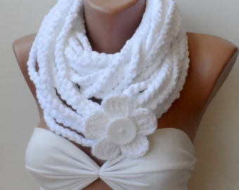 White infinity scarf, Chain scarf, Snow white scarf, white crochet scarf, Cowl, flower, Crochet loop scarf, Circle, Christmas scarfs, Velvet