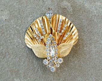 Three Dimensional Rhinestone Leaf Fan Pin Vintage