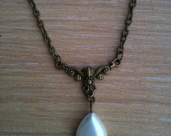 Goddess teardrop pendant