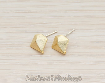 ERG265-G // Gold Plated Brushed Pyramid Diamond Shaped Ear Post, 2 Pc