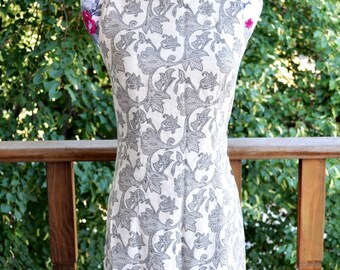 Vintage 80s 90s Caren Desiree Paisley Floral Print Dress With Red Tapestry Trim Wooden Buttons Size 6