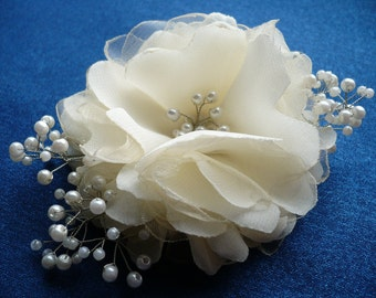 Ivory hair clip Flower hair clip Bridal hair accessories