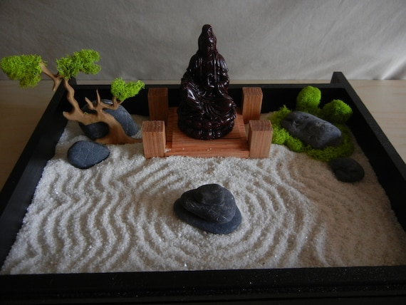 Desk or table top zen garden with solid oak stand and buddha for Table zen garden