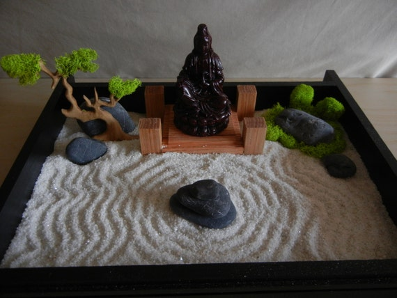 Desk or table top zen garden with solid oak stand and buddha for Zen garden trees