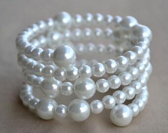 Glass Pearl Bracelet,white pearl Bracelet, four strands  Pearl Bracelet,Wedding Bracelet,Bridesmaid Bracelet,Jewelry,Maid of honor jewelry