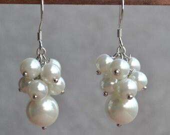 pearl Earrings,earrings,crystal earrings,Dangle earrings,Wedding earrings,bridesmaid earrings,Maid of honor jewelry