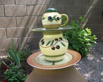 Olive Garden Tuscan Totem / Centerpiece / Server