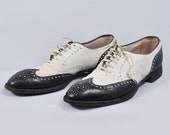 Vintage 1930s Hanans Hurdler Spectators - Norman Vincent Peale