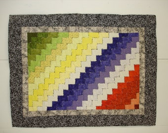 Color Play quilted wall hanging