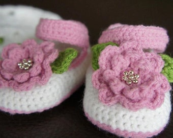 Cute Baby Crochet Slippers with a Layered Flower