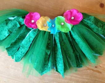 Hula Girl Grass Skirt Scrap Fabric Tutu