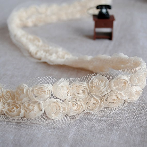 cream lace backgroundseriano rose - photo #29
