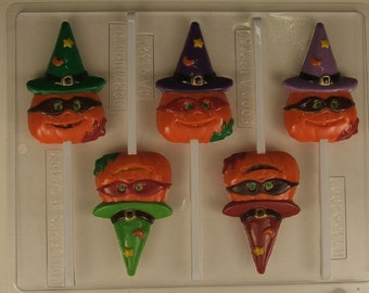 Pumpkin with mask and witches hat H135