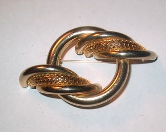 Vintage Costume Jewelry Goldtone Brooch Pin, WAS 12.00 - 20% = 9.60