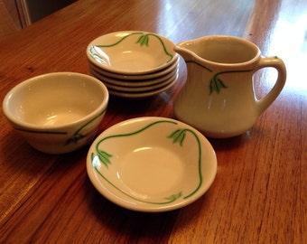 Iroquois Green Tulip Creamer and Bowl Set