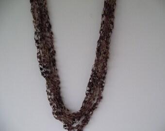 Woodsy Ladder Trellis Yarn Necklace