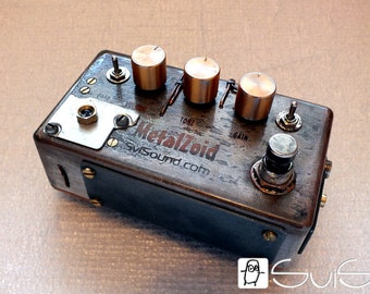High gain distortion guitar pedal steampunk style