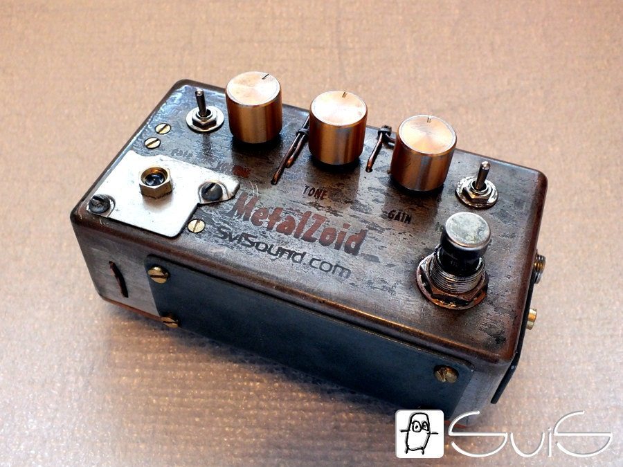 high gain distortion guitar pedal steampunk style. Black Bedroom Furniture Sets. Home Design Ideas