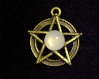 28x31mm Pentacle with Moonstone